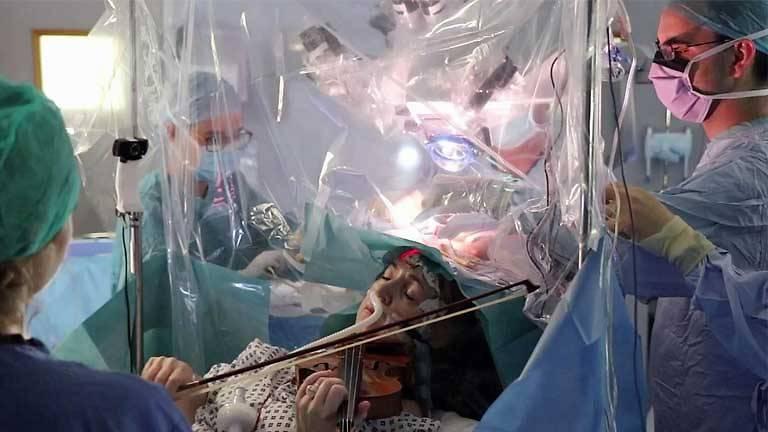 Patient Plays Violin During Brain Surgery per Surgeons' Request [Video]